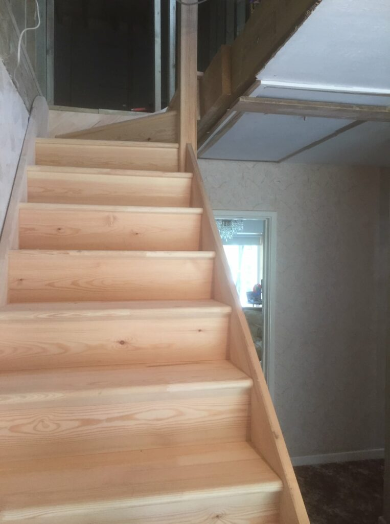Softwood purpose made staircase - Hertford 2